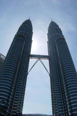 petronas: Petronas torre  Editorial