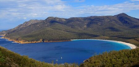 tasmania: Wineglass Bay, Freycinet National Park, Tasmania, Australia