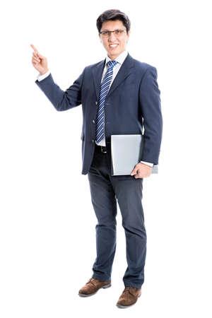 젊은 비즈니스 남자는 흰색 배경에 가리키는