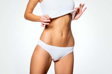 ropa interior: Cuerpo delgado hermoso de la mujer en ropa interior