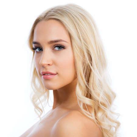 salud sexual: Cerca de la cara de la mujer hermosa joven