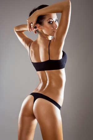 salud sexual: Mujer hermosa con la figura perfecta en ropa interior Foto de archivo