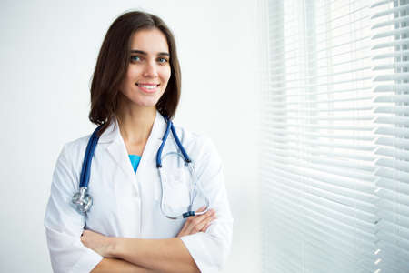 幸せ成功女性医師の肖像画