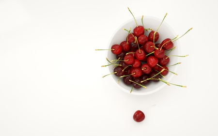 food plate: Fresh cherrys in white plate. Food concept. Isolate. 3d rendering Stock Photo