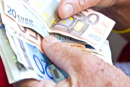 contando dinero: contar el dinero