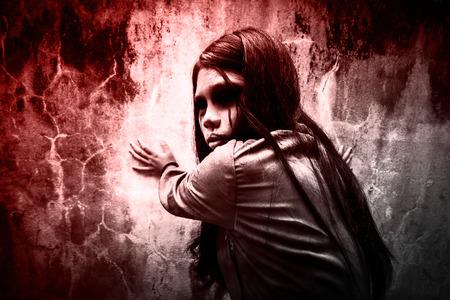 Ghost girl, Horreur fond pour Halloween Concept et réserver couverture idées Banque d'images