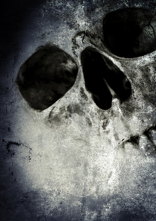 Cráneo de horror, fondo asustadizo para el concepto de Halloween y el proyecto del cartel de película Foto de archivo