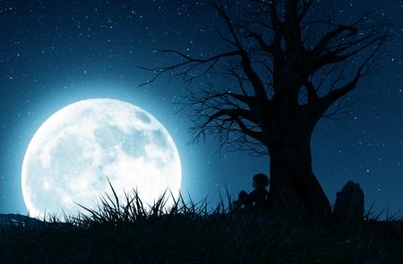 Chica solitaria sentada sola debajo del árbol y mirando a la luna, representación 3d