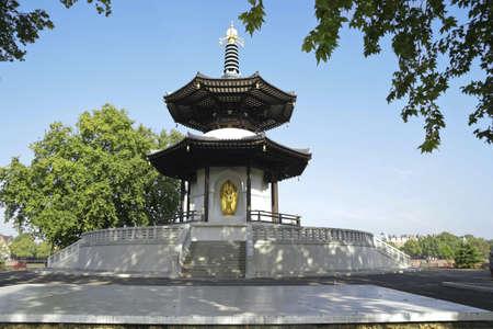 battersea: Peace Pagoda London Battersea Park UK Stock Photo