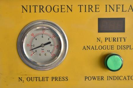 nitrogen: nitrogen gauge Stock Photo