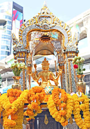 Brahma in the heart of Bangkok, a popular tourist destination of foreigners.