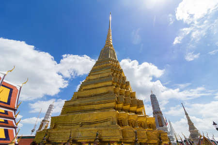 the emerald city: The Grand Palace of Bangkok in Thailand