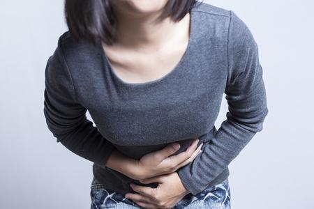 Mujer Dolor de estómago Foto de archivo - 46620428
