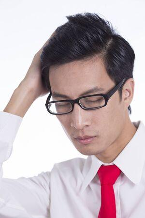 cabello rojo: El hombre de negocios coloca su pelo