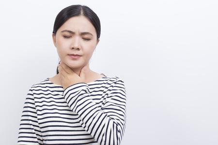 La mujer tiene dolor de garganta Foto de archivo - 60762914