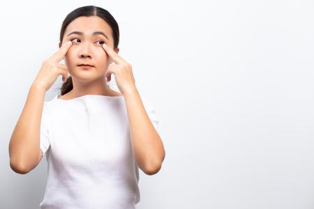 Woman has eyes pain