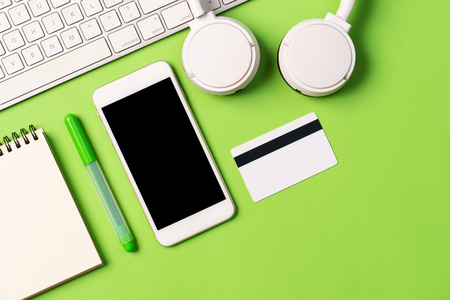 Top view image of blank screen mobile for mockup Foto de archivo - 121318777