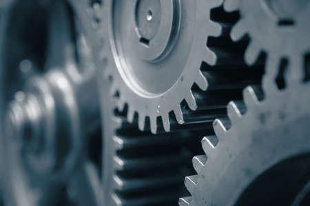 Las grandes ruedas dentadas en el motor Foto de archivo