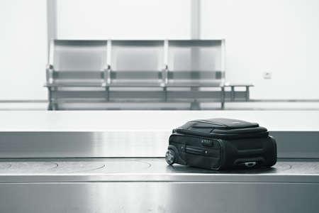 cinta transportadora: De reclamo de equipaje en el aeropuerto
