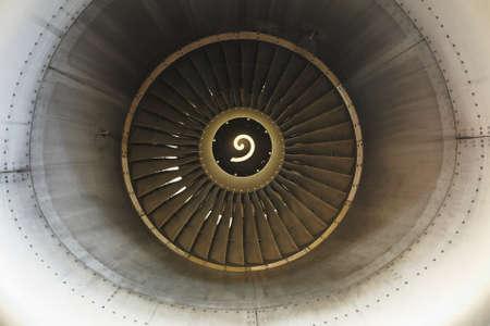 turbofan: Vista frontal de motor a reacci�n Foto de archivo