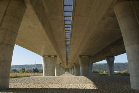 express lane: Elevated road