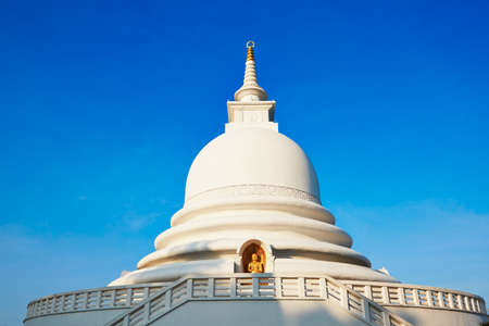 galle: Peace Pagoda in Galle, Sri Lanka
