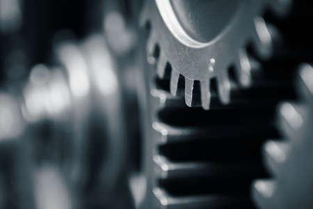industrial engineering: Ruedas dentadas grandes en el motor - tonos azules