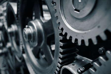 engranajes: Ruedas dentadas grandes en el motor - tonos azules