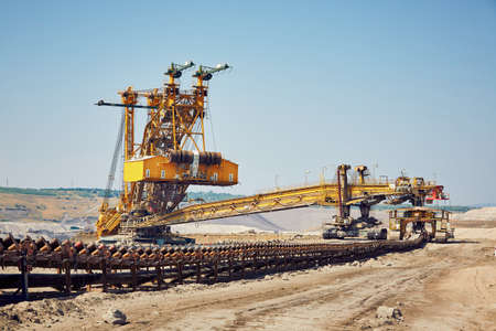 石炭鉱山の巨大な採掘機 写真素材
