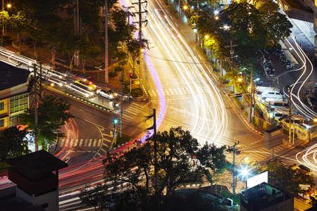 crossroad: Cruce en la noche - Bangkok, Tailandia