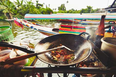 shrimp boat: Cuisine on the boat -  Bangkok, Thailand