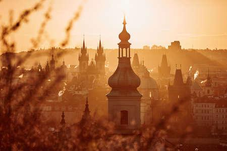 Prague skyline at amazing sunrise. Capital city of Czech Republic. Banco de Imagens