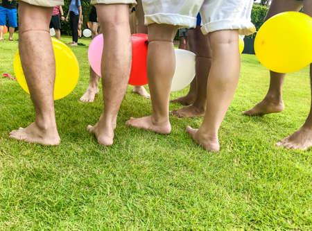 在草坪上的运动(气球踏板比赛),副本空间