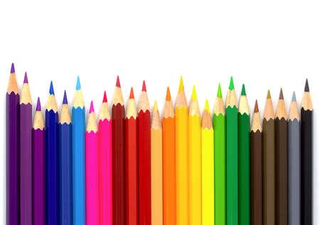 Crayons de couleur isolés sur fond blanc. Gros plan