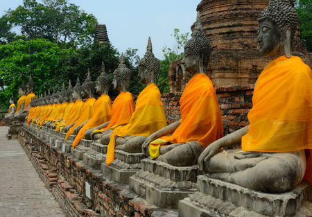 chaimongkol: Row of Buddha Status at Wat Yai Chaimongkol, Ayutthaya, Thailand