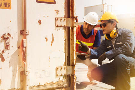 Field work is a team of the engineering department of the industry, supervising and controlling the maintenance of damaged and rusty containers in order to fix, plan, analyze together.