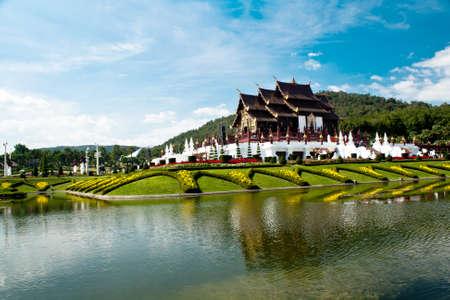 an exposition: Ho Kham Luang nel orticolo esposizione internazionale 2011, l'edificio a nord in stile thai in regale flora expo, Chiang Mai, Thailandia Editoriali