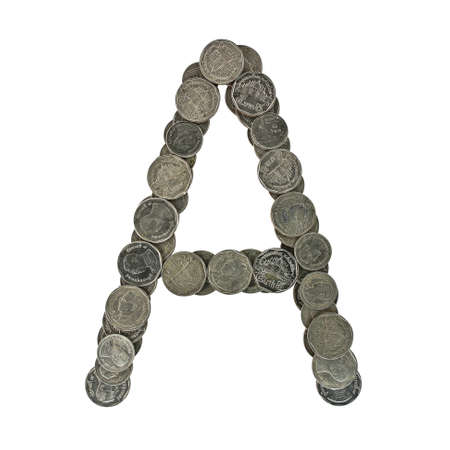 Alphabet des pi�ces de monnaie tha�landaises. isol� sur blanc background.Check mon port pour une version transparente. photo