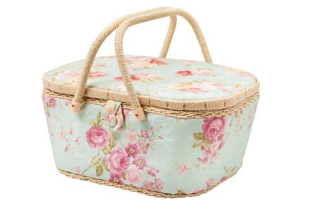 kit de costura: cesta para almacenamiento de accesorios para el caso de la seda de coser, utensilios para la costura, aislado