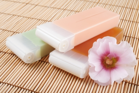 wrest: wax for hair removal