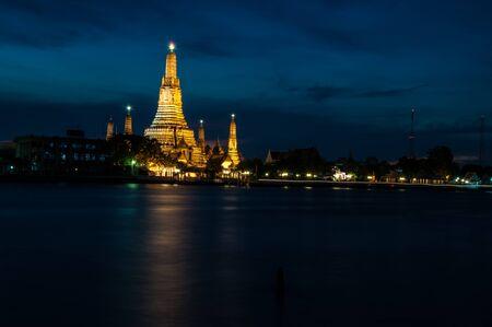 praya: Wat arun temple has located along the Chao praya river in Bangkok