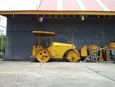 steamroller: steamroller