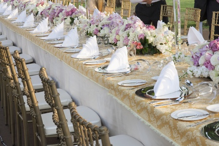 wedding table decor: The elegant dinner table