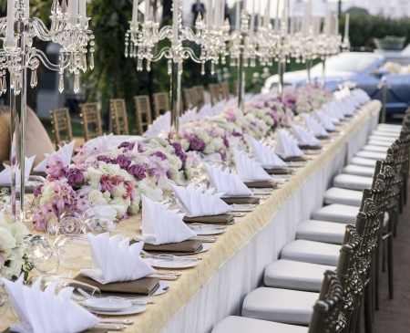 wedding decor: The elegant dinner table