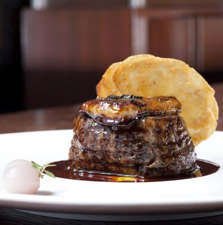 Medium cooked roast beef Stock Photo - 17957234