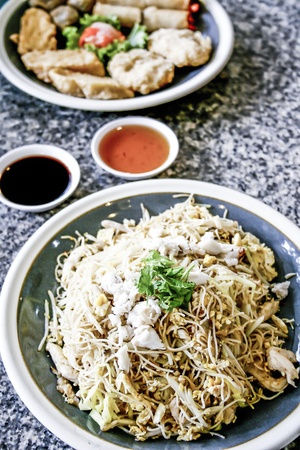 mee pok: chinese stir-fried noodles