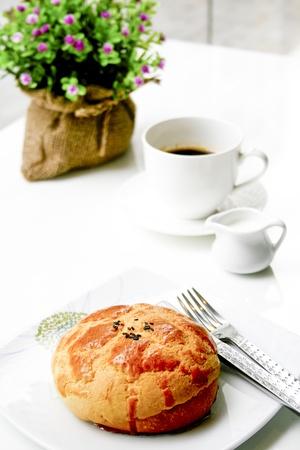 breadloaf: Bread