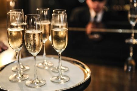 Champagner Standard-Bild - 23558967