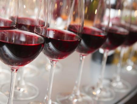 wine  pink: glasses of wine