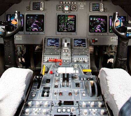 altimeter: pilot cockpit